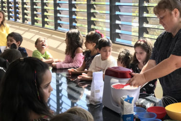 "Workshop de ""cupcakes"" para alunos do ""kids club"" da Casa Thomas Jefferson"